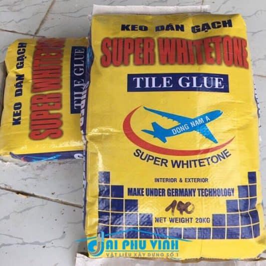 Keo dán gạch Super Whitetone Có thể dán gạch có kích thước lên đến 60 x 60 cm cho tường, và không giới hạn kích thước cho nền